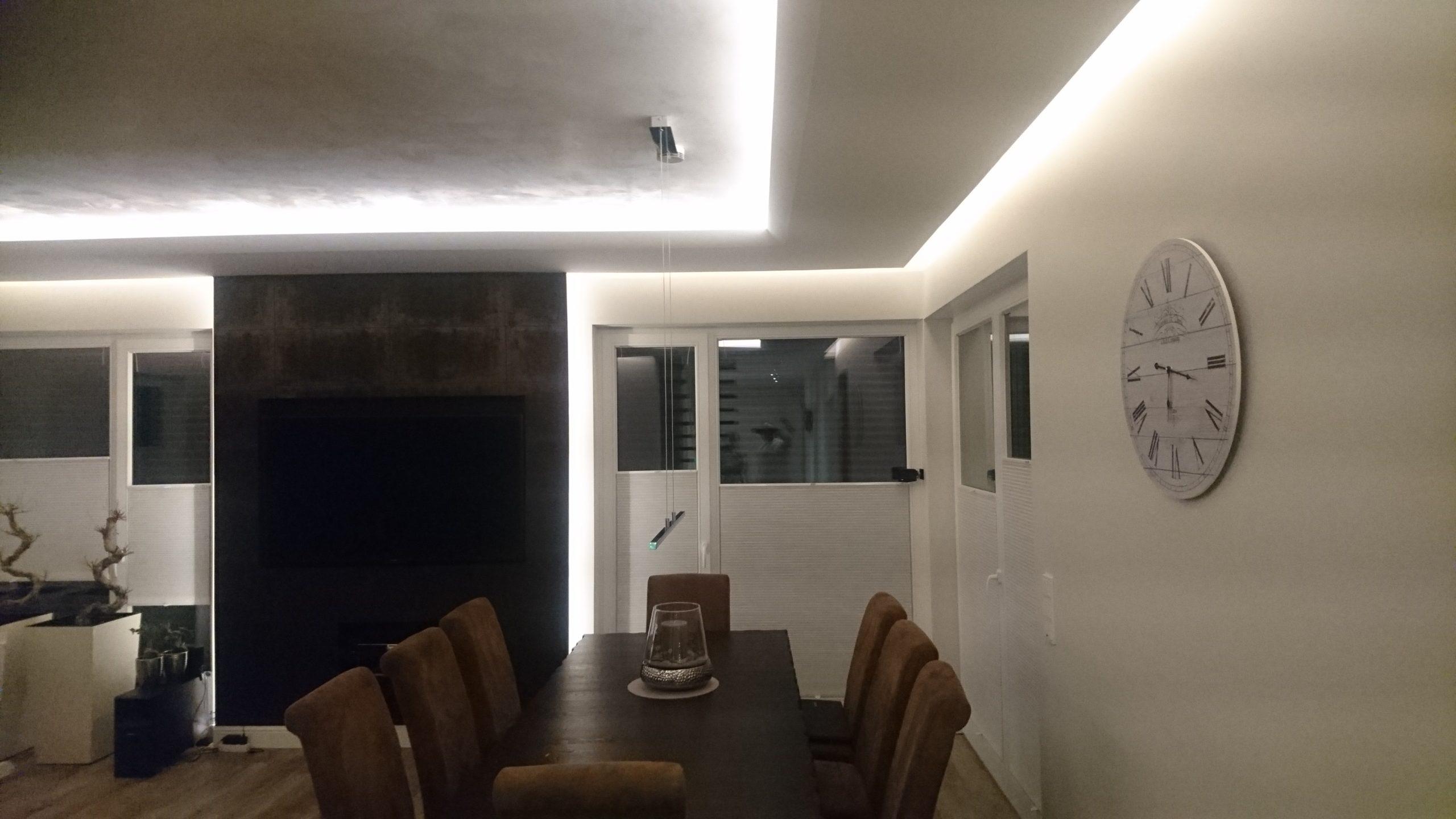 Wohnzimmer-scaled